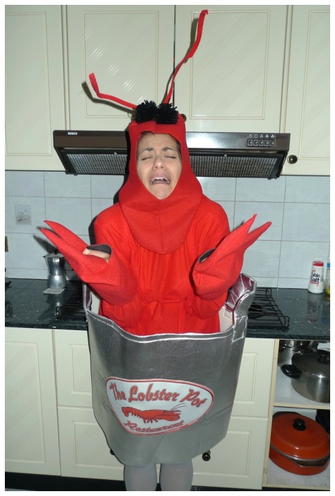 lobster-in-a-pot-costume-whole-cry