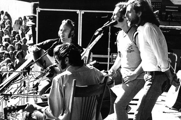 00_Crosby-Stills-Nash-and-Young-at-Woodstock-1969